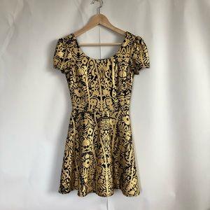 Dresses & Skirts - Beautiful Gold Party Dress